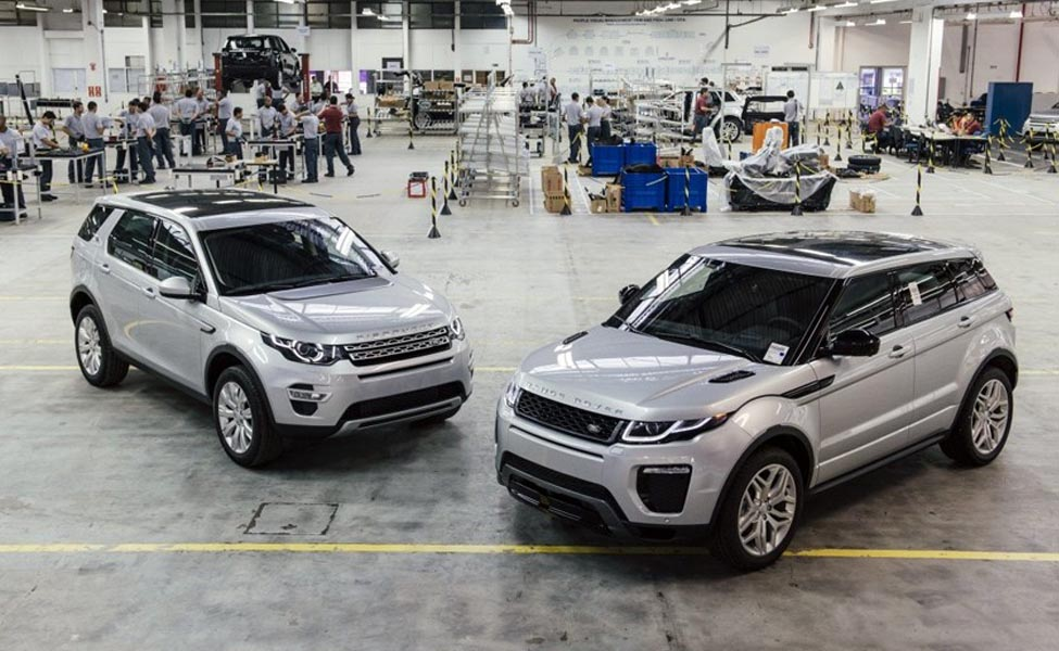 В автомобилеJaguar Land Roverсистема предлагает правильную скорость, чтобы подстраиваться под огни и избегать пробок.