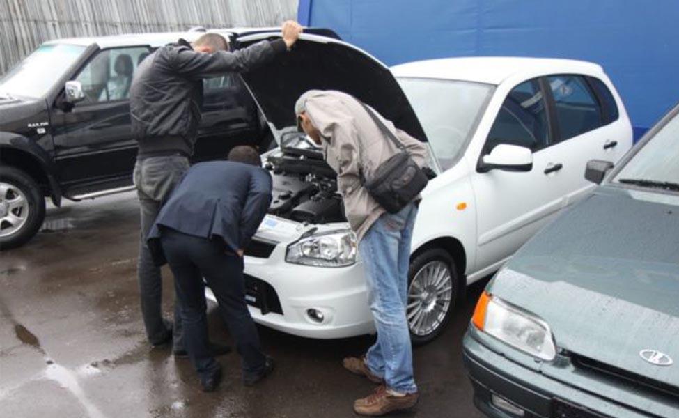 Есть несколько потенциальных ошибок, которые следует опасаться при покупке подержанного автомобиля.