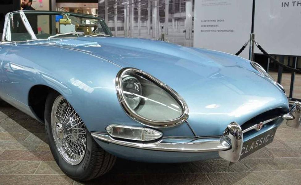 Jaguar E-Type Zero -электрифицированный классический набор для входа в производство в следующем году.