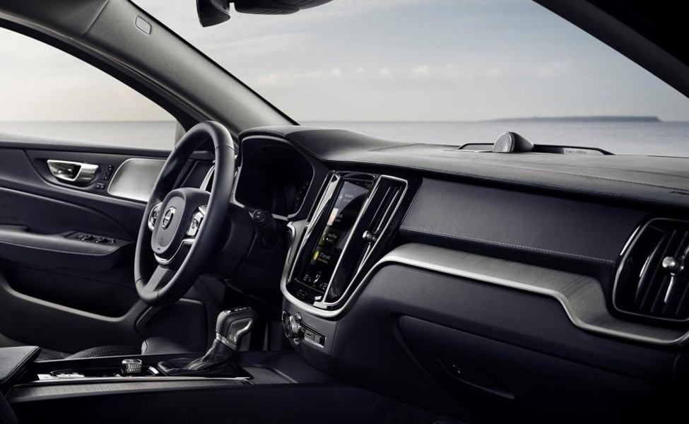 Благодаря стилю, пространству и низким затратам, Volvo V60 заслуживает того, чтобы быть в списке любого выбора компании.